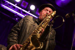 Tommy Schneller am Saxofon.